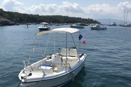 Hire Motorboat Quicksilver Fish 440 Golfe Juan