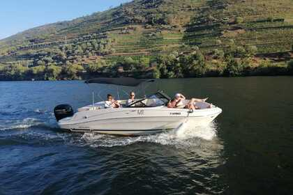Hire Motorboat Bayliner Vr5 Pinhão