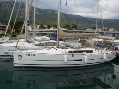 Charter Sailboat Dufour 350 Grand Large Kaštel Gomilica