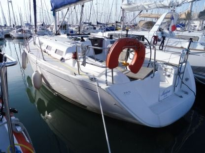Rental Sailboat Dufour 365 La Rochelle