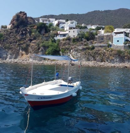 Rental Motorboat Gozzetto 5.60 Panarea