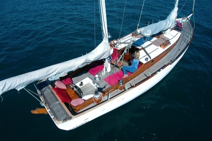 Hire Sailboat Herreshof Ketch Cannes