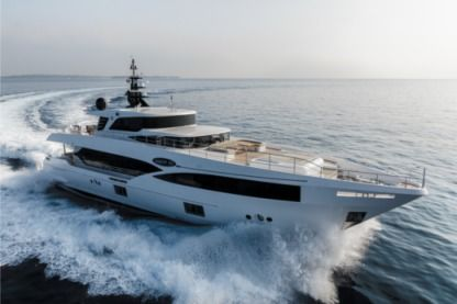 Charter Motorboat Gulf Craft Majesty 100 Monaco
