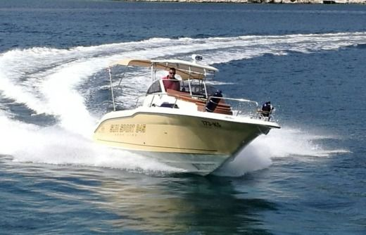 Formula Boats Sun Sport 845 in Split for rental