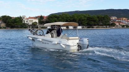 Charter Motorboat Hm 22 Fly Cres