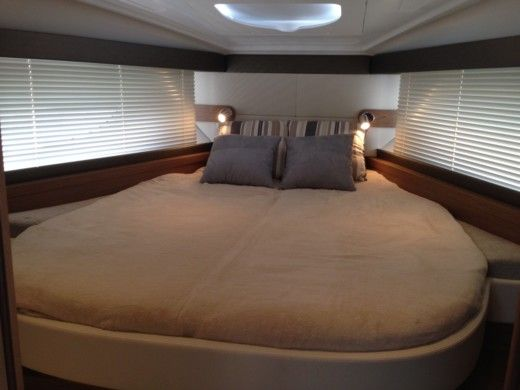 Motorboat BENETEAU FLYER GRAN TURISMO 38 - GRAND CONFORT for hire