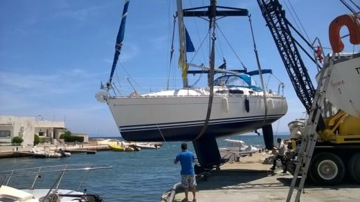 Jeanneau 32.2 in Bandol for hire