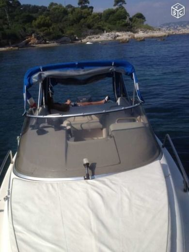 Motorboat RIO 650 for hire