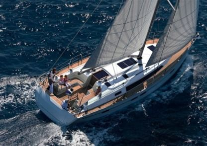 Rental Sailboat Bavaria 41 Latsi
