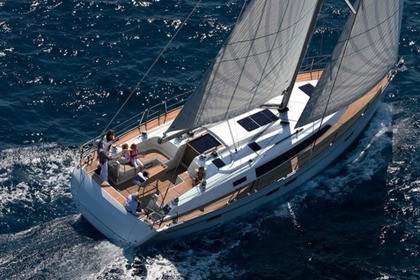 Charter Sailboat BAVARIA 41 Latsi