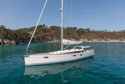 Rental Sailboat Beneteau Sense 57 Mahón