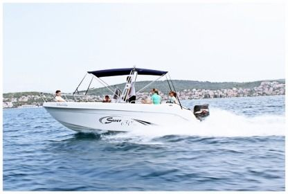 Rental Motorboat Saver 650 Open Kaštela