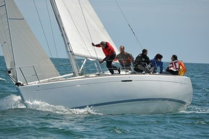 Charter Sailboat BENETEAU FIRST 33.7 Granville