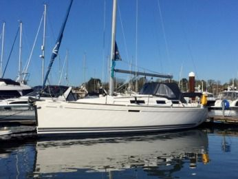 "Charter Sailboat Dufour Grand Large 325 ""pequena"" Marsala"