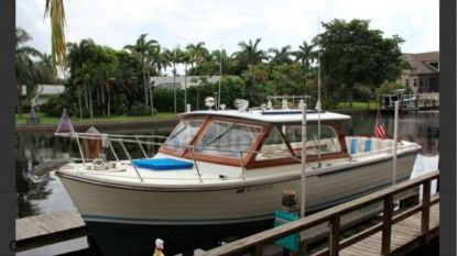 Rental Motorboat Chris Craft Lyman 26 Palermo