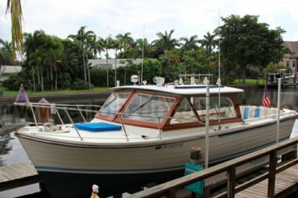 Charter Motorboat CHRIS CRAFT LYMAN 26 Palermo