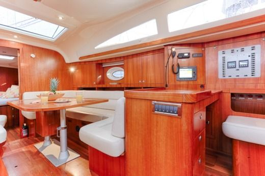 Sailboat ELAN ELAN 514 Impression peer-to-peer