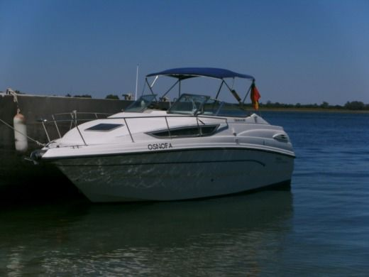 Motorboat Chaparral Signature 260