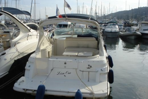 Motorboat Cruisers Rogue 3060 for rental
