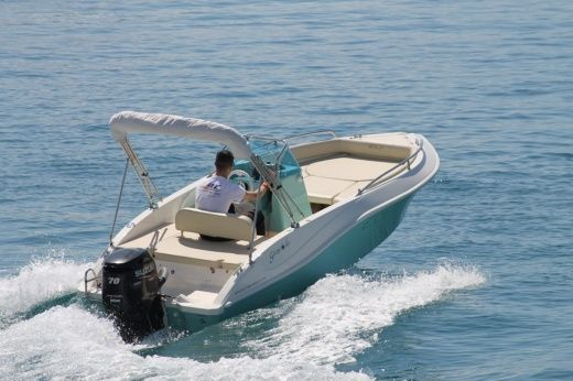 Motorboat Eolo Girasole for hire