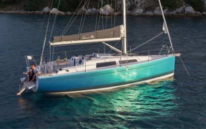 Charter Sailboat Hanse 315 Cogolin