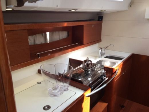 Sailboat Beneteau Oceanis 50 Grand Family