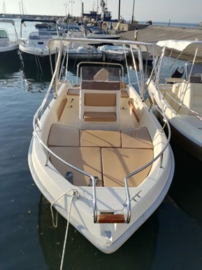 Charter Motorboat Terminal Boat 21 Freestyle Agropoli