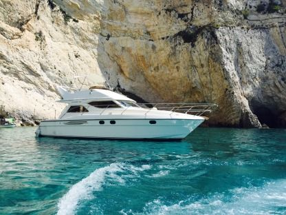 Charter Motorboat Princess 360 Kyllini