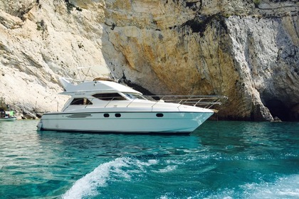 Hire Motorboat PRINCESS 360 Kyllini