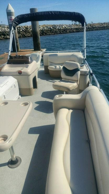 Rental Motorboat Tracker Marine 24' Pontoon Glendora