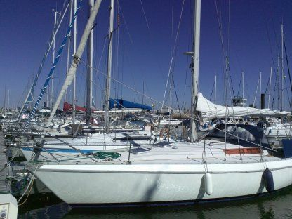 Rental Sailboat Jeanneau Melody La Rochelle