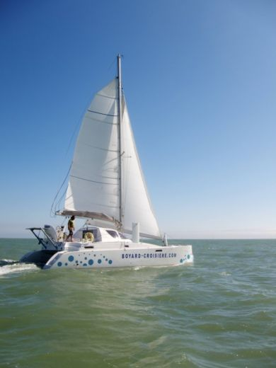Charter catamaran in La Rochelle peer-to-peer