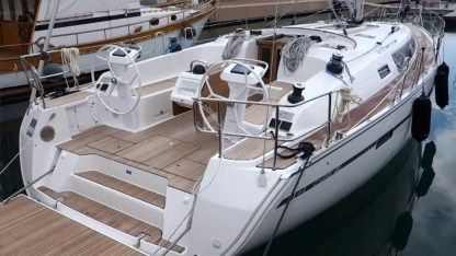 Charter Sailboat Bavaria 46 Agropoli