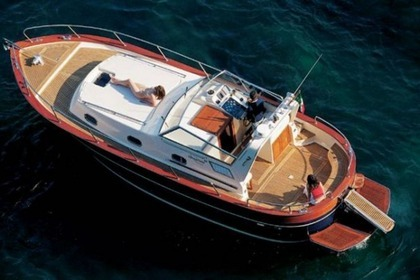 Rental Motorboat APREAMARE CABINATO Menton