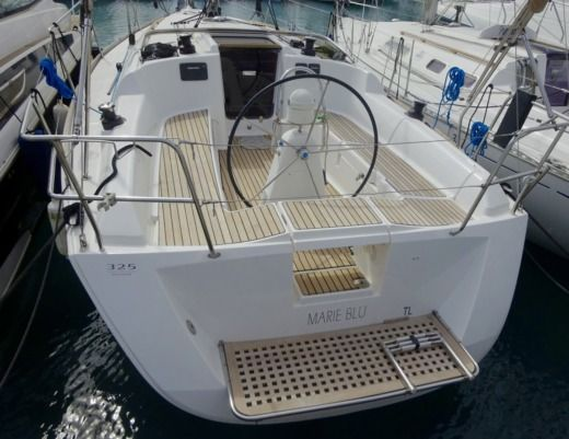 Sailboat Dufour 325 Grand Large for hire
