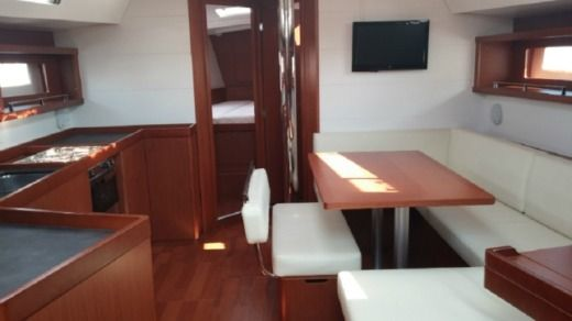 Beneteau Oceanis 45 in Corfu for hire