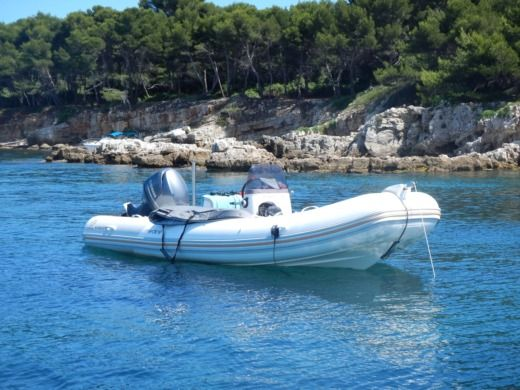 Charter rIB in Cannes peer-to-peer