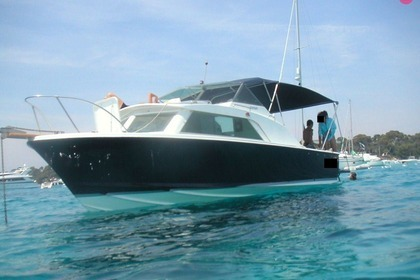 Rental Motorboat BERTRAM FISCHERMAN 25 Sainte-Maxime