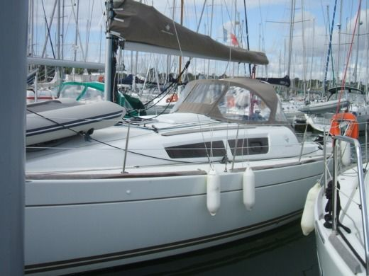 JEANNEAU SUN ODYSSEY 30 in Arzon peer-to-peer