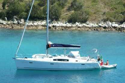 Rental Sailboat Beneteau Oceanis 43 Porto Santa Margherita