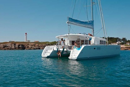 Hire Catamaran LAGOON 450 Road Town