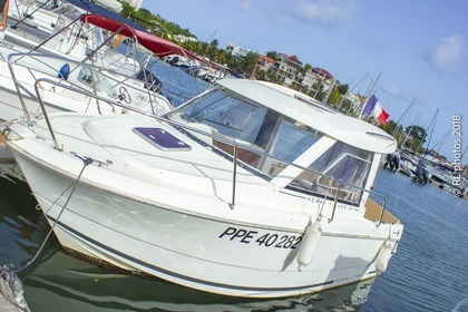 Charter Motorboat JEANNEAU MERRY FISHER 645 Le Gosier