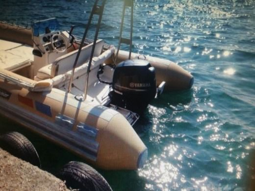 Solemar 580 in Reggio Calabria for hire