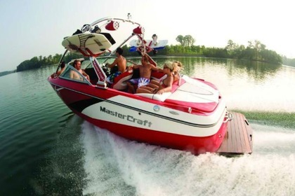 Hire Motorboat Mastercraft x15 Powell