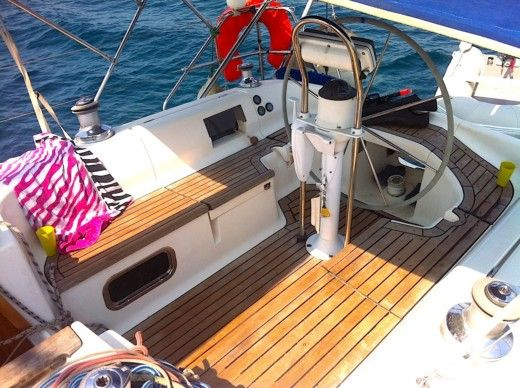 Sailboat DUFOUR 41 CLASSIC for hire