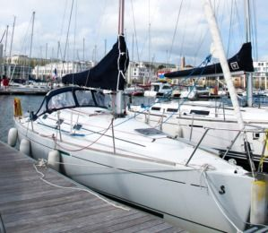 Charter Sailboat Beneteau First 31.7 Brest