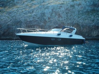 Charter Motorboat Canamer 33 Porto Cesareo