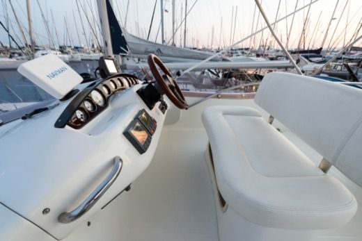 Cranchi Atlantique 40 in Athens for hire