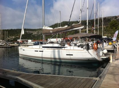 Rental Sailboat Jeanneau Sun Odyssey 439 Leeward Islands