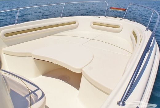 Motorboat Mingolla Brava 22 for rental